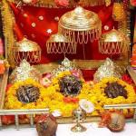 Meri Maikya Ji Ke Dware Dhoal Baje Re Bhajan